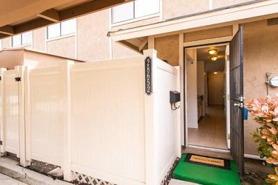 Agoura Hills Condo/Townhouse For Sale: 28652 Conejo View Drive