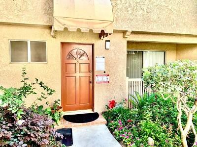 Northridge Condo/Townhouse For Sale: 17131 Roscoe Boulevard #8