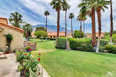 Palm Springs Condo/Townhouse For Sale: 2685 Whitewater Club Drive