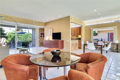 Palm Springs Condo/Townhouse For Sale: 294 Desert Lakes Drive