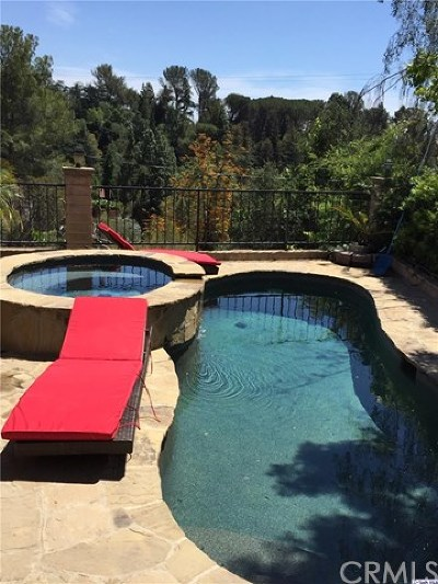 La Canada Flintridge Single Family Home For Sale: 1920 Lamp Post Lane Lane