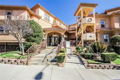 Glendale Condo/Townhouse For Sale: 4110 La Crescenta Avenue #110