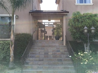 Van Nuys Condo/Townhouse For Sale: 6525 Woodman Avenue #19