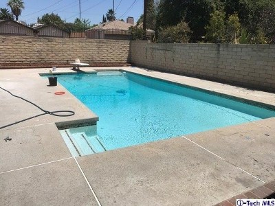 North Hills Single Family Home For Sale: 15923 Bryant Street