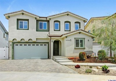 North Hills Single Family Home For Sale: 15725 Liggett Street
