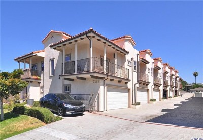 Tujunga Condo/Townhouse For Sale: 7225 Apperson Street #106