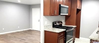 Pomona Condo/Townhouse For Sale: 960 E Bonita Avenue #129