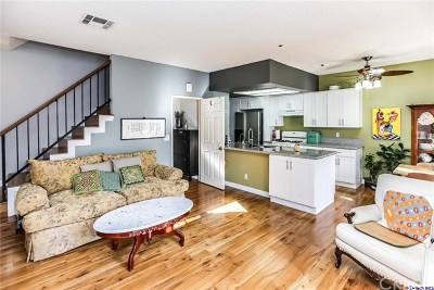 Glendale Condo/Townhouse For Sale: 147 W Acacia Avenue #133
