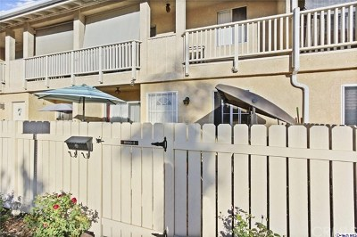 Reseda Condo/Townhouse For Sale: 8000 Canby Avenue #3