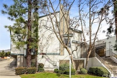 Glendale Condo/Townhouse For Sale: 2809 Montrose Avenue #11