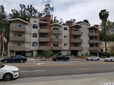 Hollywood Hills Condo/Townhouse For Sale: 3284 Barham Boulevard #301