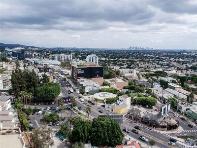 West Hollywood Condo/Townhouse For Sale: 8788 Shoreham Drive #22