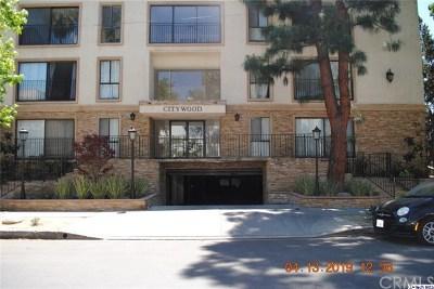 Sherman Oaks Condo/Townhouse For Sale: 15344 Weddington Street #113