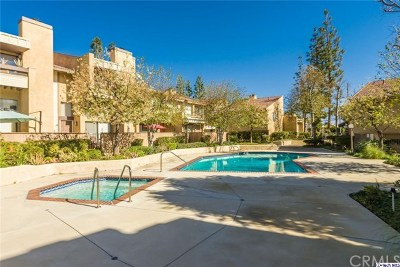 Chatsworth Condo/Townhouse For Sale: 10051 Topanga Canyon Boulevard #13