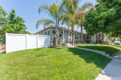 Burbank Multi Family Home For Sale: 1136 N Beachwood Drive