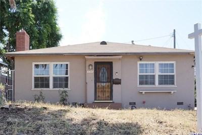 Glendale Single Family Home For Sale: 754 Faircourt Lane