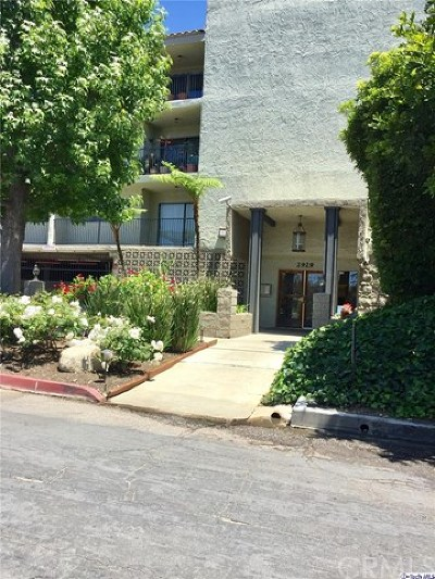 Los Angeles Condo/Townhouse For Sale: 2929 Waverly Drive #106