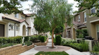 Fontana Condo/Townhouse For Sale: 15723 Parkhouse Drive #100