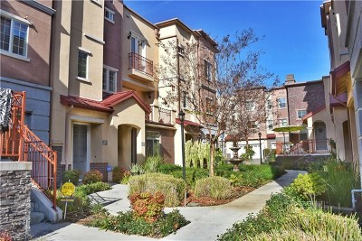 Baldwin Park Condo/Townhouse For Sale: 13647 Foster Ave