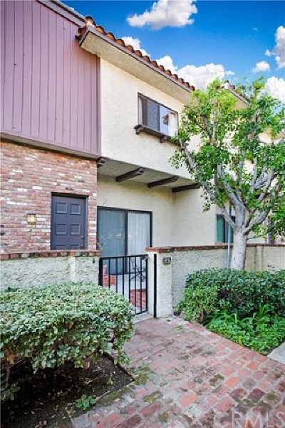 Burbank Condo/Townhouse For Sale: 1721 Rogers Place #47G