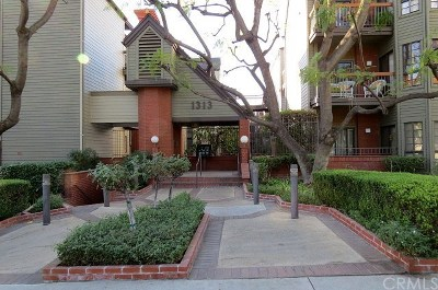 Glendale Condo/Townhouse Active Under Contract: 1313 Valley View Road #211