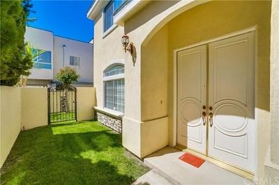 Arcadia CA Single Family Home For Sale: $1,080,000