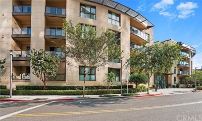 Irvine Condo/Townhouse For Sale: 402 Rockefeller #105