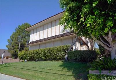 Northridge Condo/Townhouse For Sale: 10346 Zelzah Avenue #10