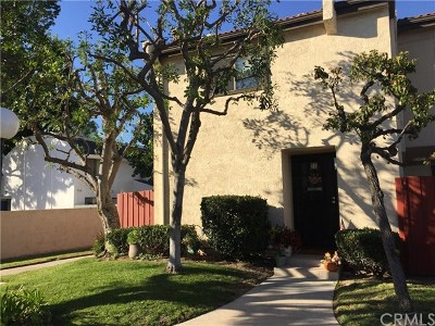 Covina Condo/Townhouse For Sale: 18717 E Arrow #21
