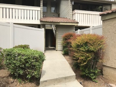 Pomona Condo/Townhouse For Sale: 81 Town And Country Road #127