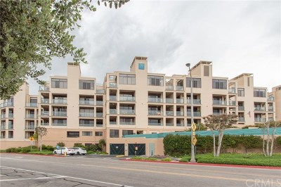 Redondo Beach Condo/Townhouse For Sale: 110 The Village #204