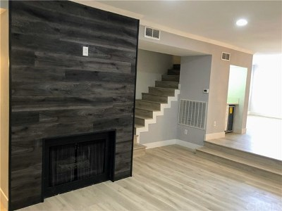 Los Angeles County Condo/Townhouse For Sale: 5336 Corteen #4