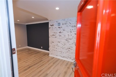 Glendale Condo/Townhouse Active Under Contract: 605 N Louise Street #207