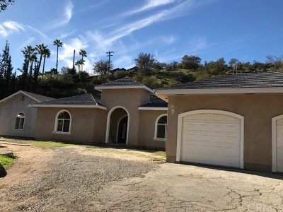 Burbank Single Family Home For Sale: 211 Country Club Place