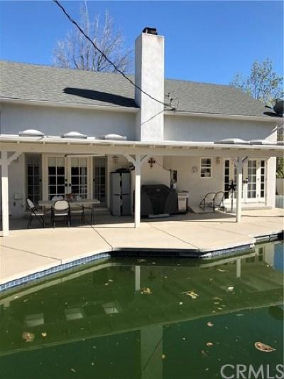 Granada Hills Single Family Home For Sale: 11545 Amestoy Avenue