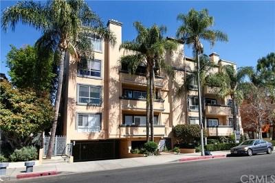 Encino Condo/Townhouse For Sale: 5224 Zelzah Avenue #201