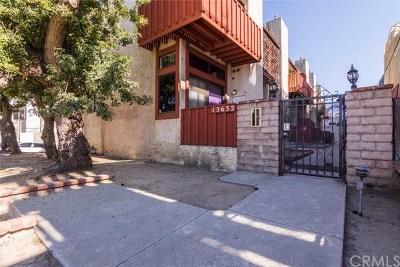Van Nuys Condo/Townhouse For Sale: 13632 Valerio Street #1