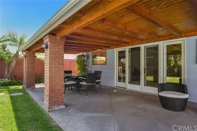 Orange Single Family Home For Sale: 2523 E Roberta Drive