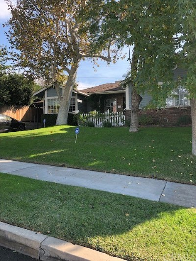 Burbank CA Single Family Home For Sale: $989,000