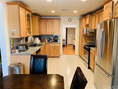 Canoga Park Single Family Home For Sale: 21218 Chase Street