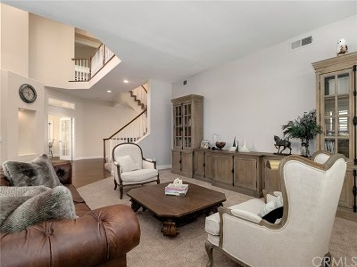 Newhall Single Family Home For Sale: 24578 Ebelden Avenue