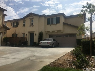 Eastvale Condo/Townhouse For Sale: 7078 Cielo Court