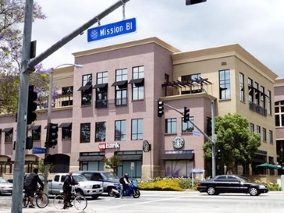 Pomona Condo/Townhouse For Sale: 101 W Mission Boulevard #309