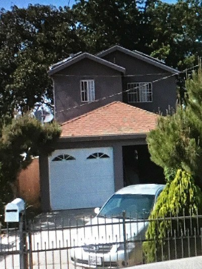 Los Angeles Single Family Home Active Under Contract: 1425 E 110th Street