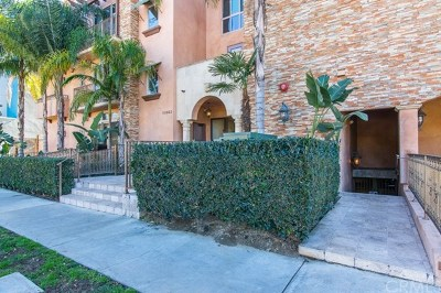 Toluca Lake Condo/Townhouse For Sale: 10862 Bloomfield Street #105