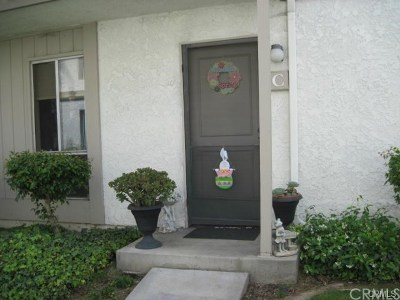 Santa Ana Condo/Townhouse For Sale: 2867 S Fairview Street #C