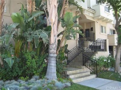 Van Nuys Condo/Townhouse For Sale: 7124 Woodman Avenue #4