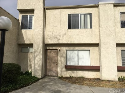 Condo/Townhouse Active Under Contract: 1480 E Marshall Boulevard #29