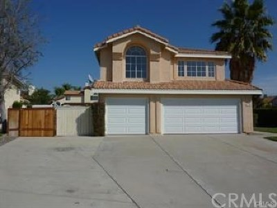 Murrieta Single Family Home For Sale: 23996 Sweet William Lane