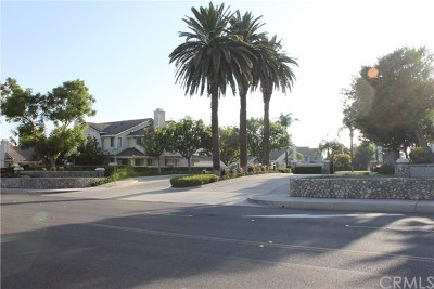 Rancho Cucamonga Condo/Townhouse For Sale: 9177 W Rancho Park Circle